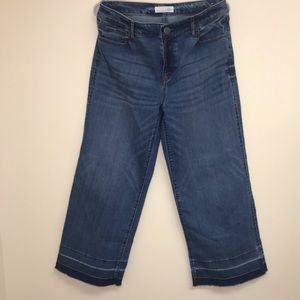 Let down hem wide leg crop jeans size 6